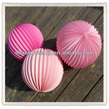 Pink set accordion paper lanterns Accessories & Decor / Holiday Decorations