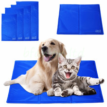 Blue pet ice mat for Medium-sized dogs and cats in house