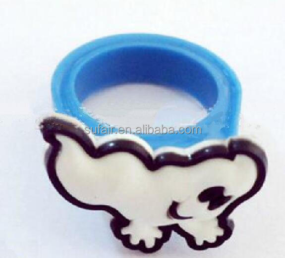 Lovely solf healthy gift silicone finger ring for kids