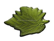Hot sale Quality green glass plate decorative characteristic leaf shape plate