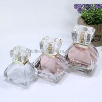 Beautiful cosmetic empty perfume glass bottles with pump sprayer 30ml