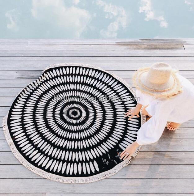 Cheap factory direct wholesale fashion circle black round beach towel for women with private label