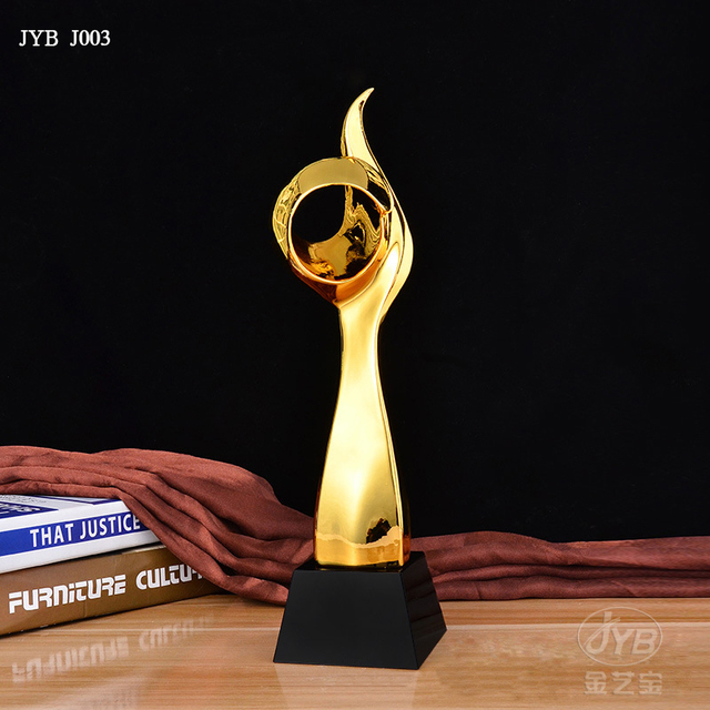 New creative trophy resin crystal trophy custom sports competition prize trophy