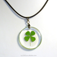 Round Shape Pendant Lucky Pendant Clear Resin Rocket Green Four Leaf Clover Necklace Pendant