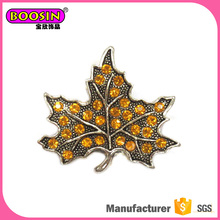 Guangzhou Jewelry making supplies yellow rhinestone maple leaf brooch popular scarf pin brooch,fashion brooches pin for mens