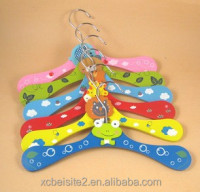 M042 wholesale custom children wooden multi-metal hook slip hanger