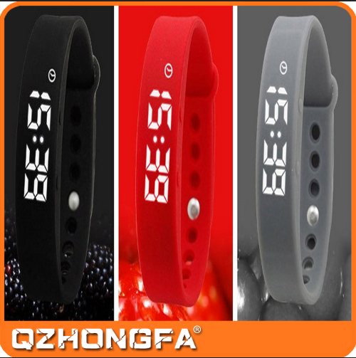 2017 fashion silicone sports watch silicone led watch silicone