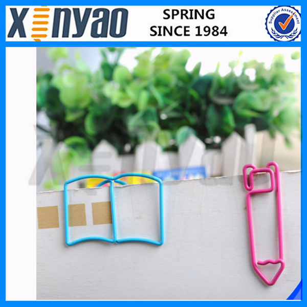 2015 school supplier decorative Customer logo metal cute colorful pen shape paper clips