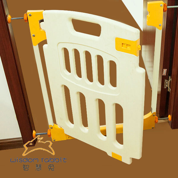 Factory Provide Plastic Product Protect The Children Folding Baby Gates