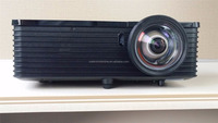 3D Short Throw DLP projector 1024x768 resolution 3500 Lumens Contrast ratio 8000:1 for shools
