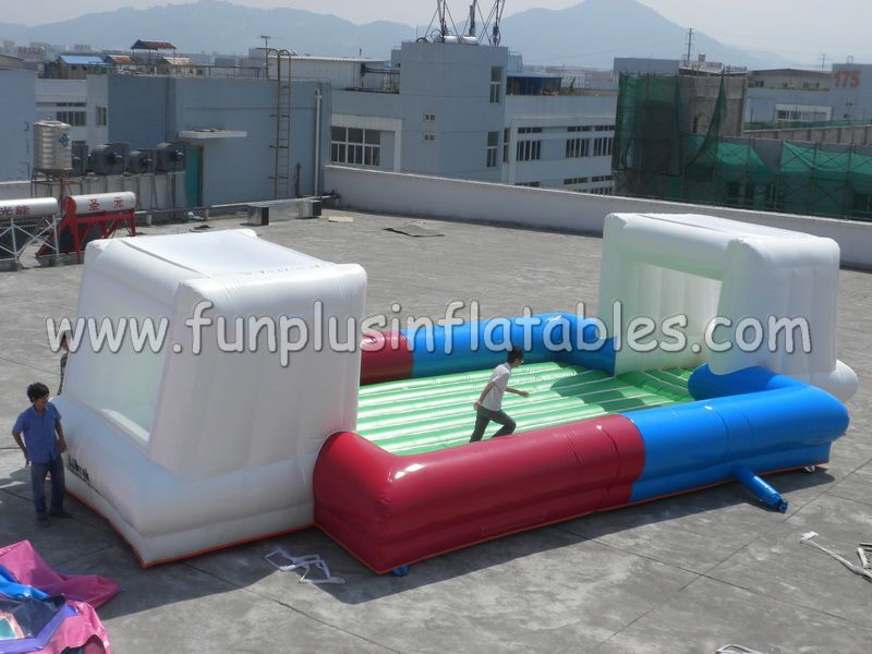 New styles outdoor funny inflatable playground/inflatable football pitch F6040