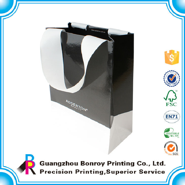 Clossy lamination luxury cheap personalized gift bags with ropes