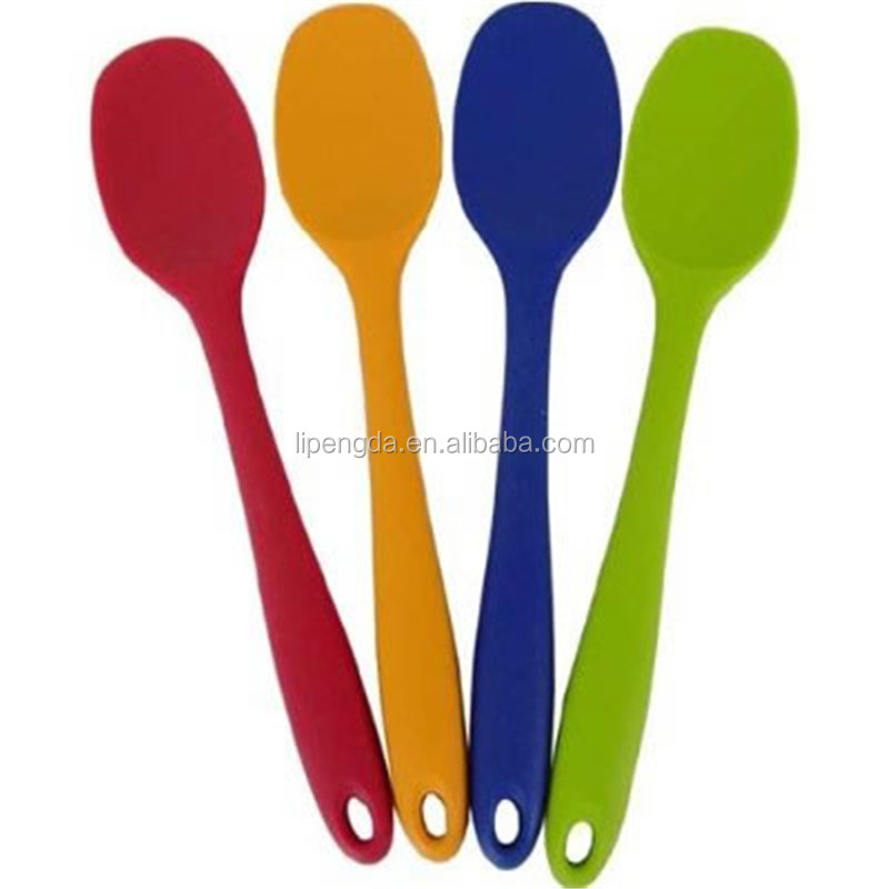 Baby Products Selling Flexible Cheap Soft Handle Silicone Plastic Measuring Baby Spoon