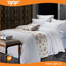 five star hotel luxury jacquard bedding set and bed runner