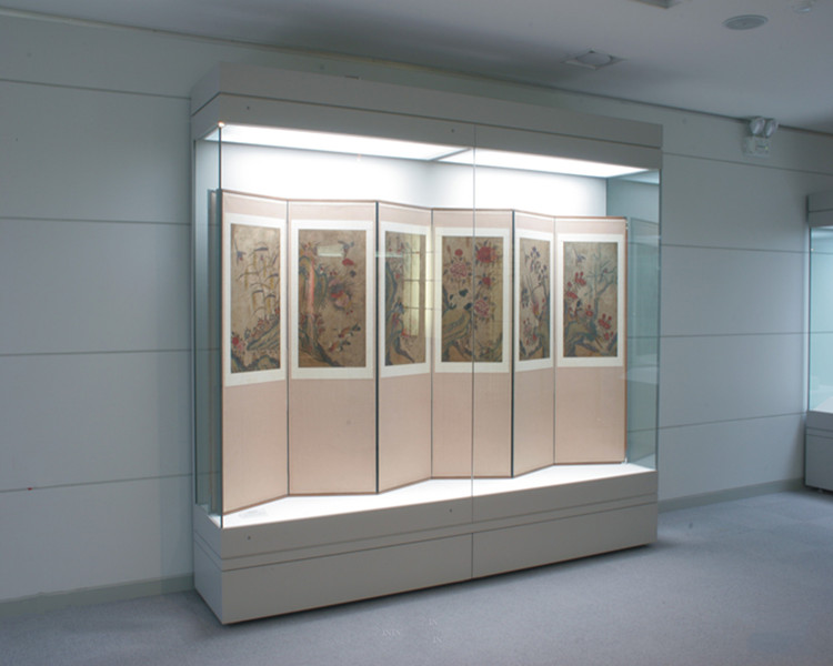 electric automatic horizontally sliding door glass museum display case