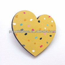 high quality fashion new design laser cut purple wood heart shape with fabric manufacturer in China