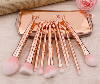 2018 New fish shape Rose gold mermaid makeup brushes maquiagem professional makeup for face foundation brushes