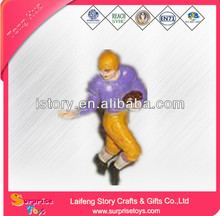 Promotion OEM resin football player