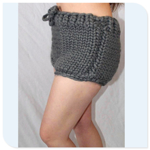 Sunland hot sale 1,5kg chunky thick pants leggings pur wool hand knitted underwear knit trousers