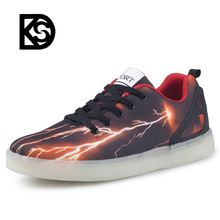 Hot selling cool fashion led casual shoes ,low MOQ quantity price led light up for men