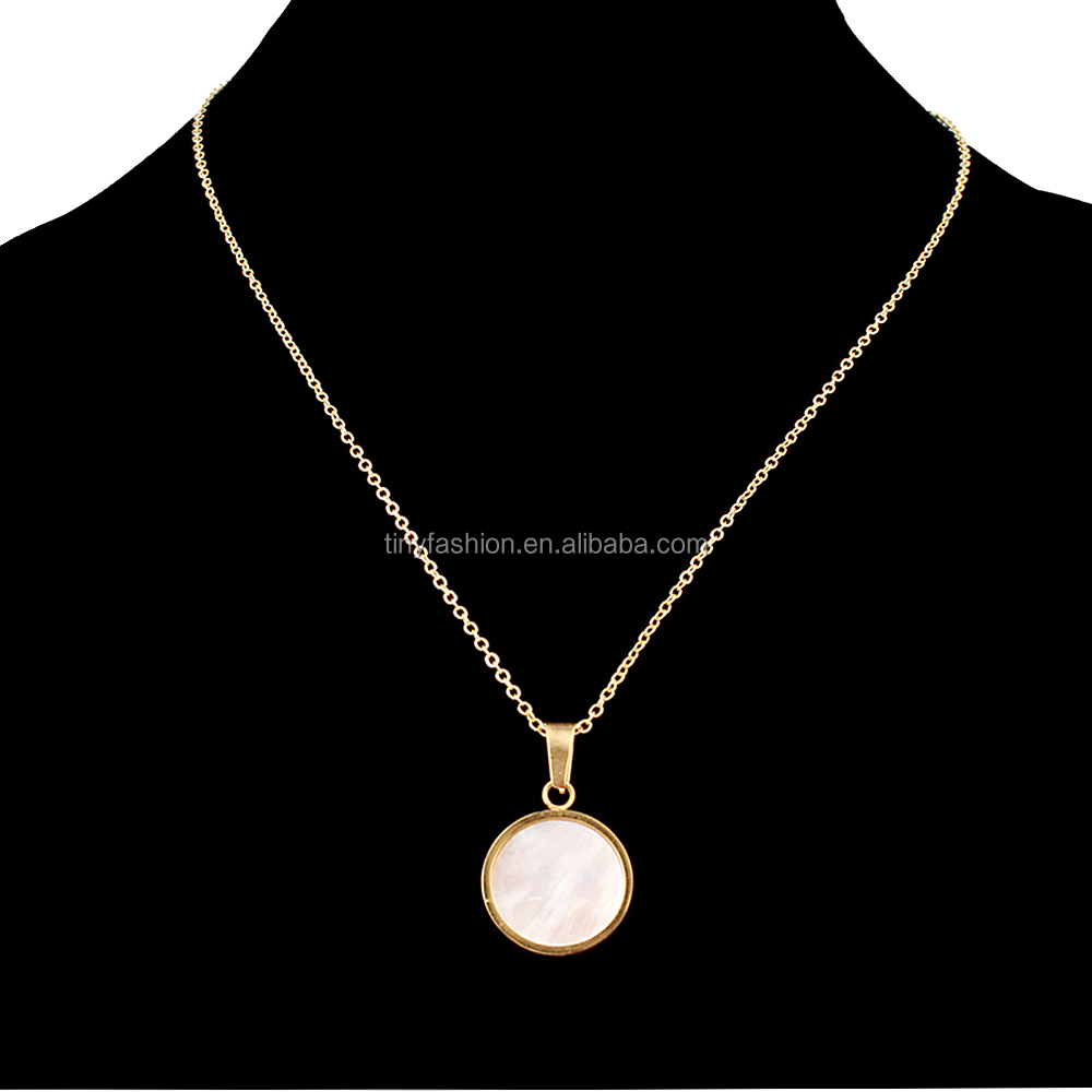 High Quality Stainless Steel Gold Plated Round Pendant Clear Shell Necklace