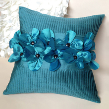 Living room with the pillow BLUELOVER fold pleated hand-set three-dimensional flowers