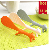 2015 new design coloful cut plastic animal squirrel shape meal spoon