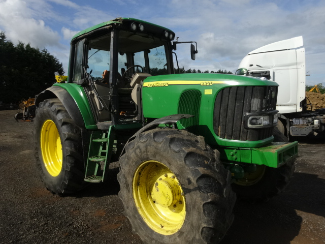 JOHN DEERE 6820 TRACTOR 2003 SOME CAB DAMAGE