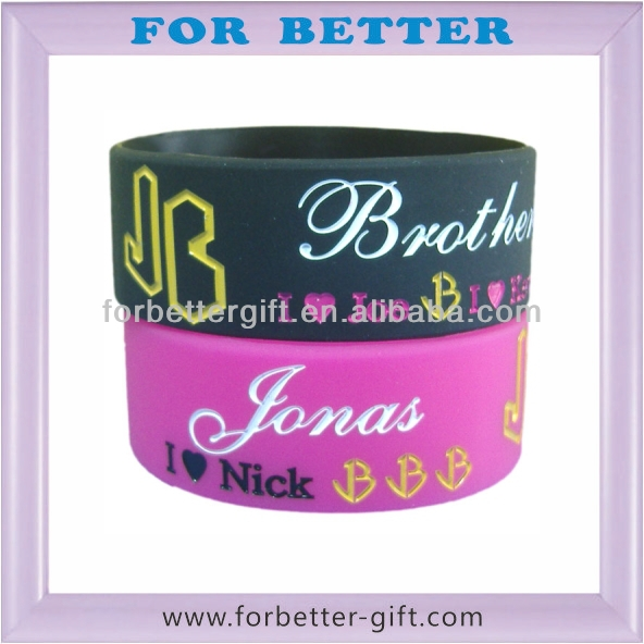 promotional <strong>gift</strong>&free sample debossed silicone wristband