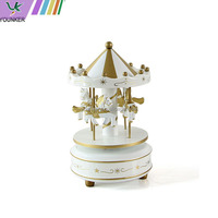 Wholesale wooden toy carousel music box by hand crank