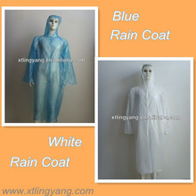 Disposable plastic raincoat, plastic rain coat, transparent raincoat