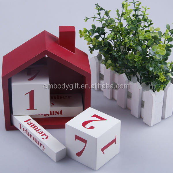 House shape MDF Perpetual Calendar for home decoration
