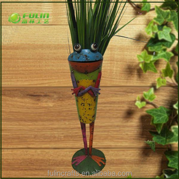 Metal crafts frog shape flower pot