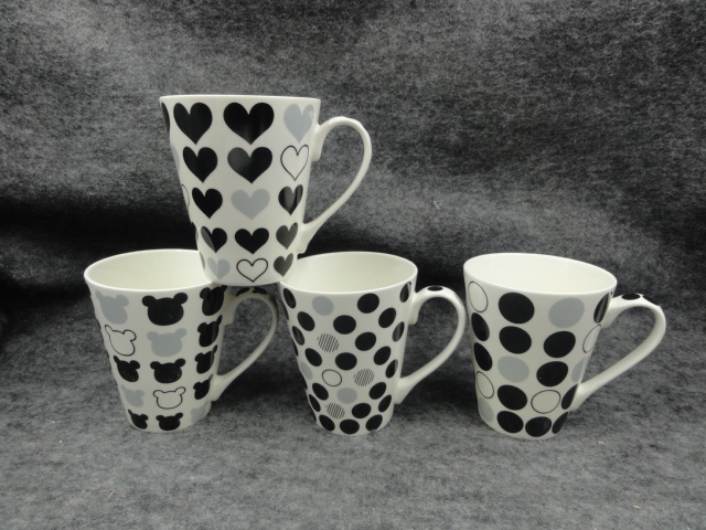 New product of Fine new bone china cheap black and white heart shape coffee mugs with decals