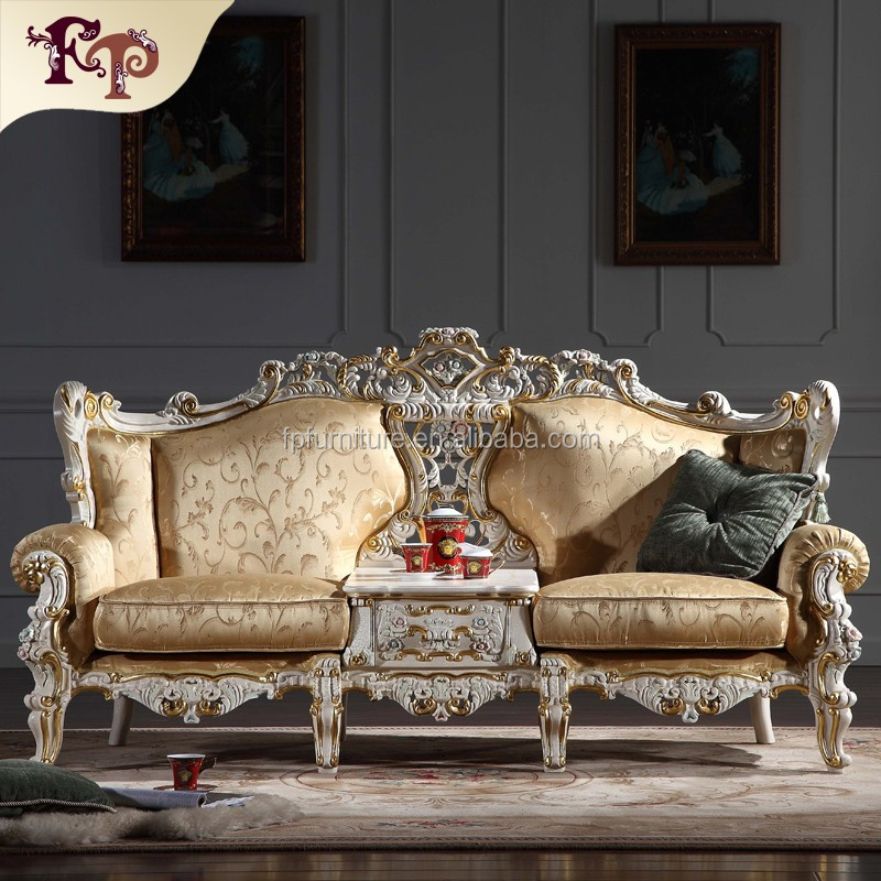 China Factory Wholesale Classic Italian Antique Living Room Furniture Sofa Italian Sofa Set