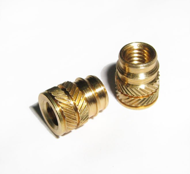 Brass mold in blind threaded inserts for plastic