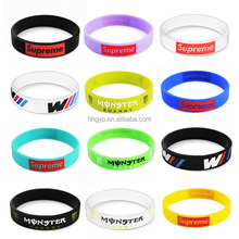 personalized design 2017 rubber band bracelet maker, hot selling engraved logo silicone bracelet no minimum