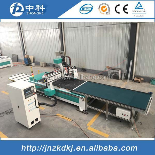 Auto feeding table wood cnc router machine engraving machine