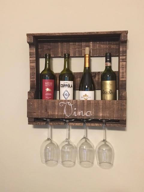 2019 new products china suppliers Pallet wood floating wine shelf