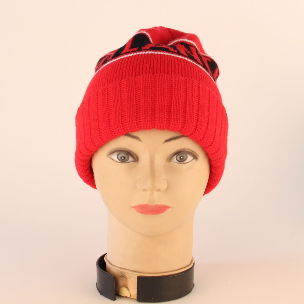 hot selling famale red cheap acrylic knitted hat
