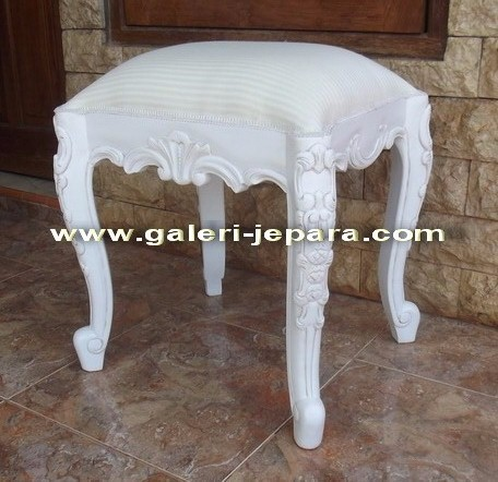 Reproduction Ottoman Furniture - White Bed Stool Ottoman