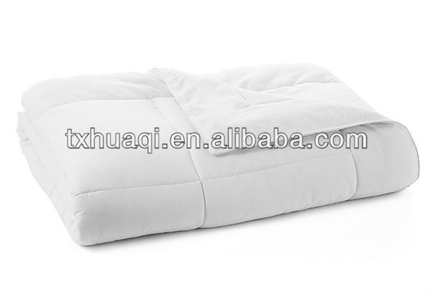 Top cool microfiber quilt with hollow fiber filling