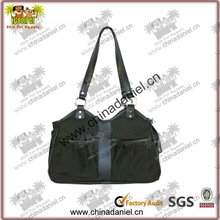 2012 Fashion design cheap toy pet plastic carriers