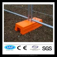 Anping temporary fence stands concrete