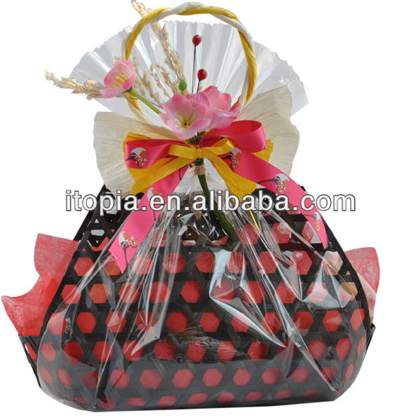 2017/chinese handmade,bamboo basket with bwatiful decoration for gift