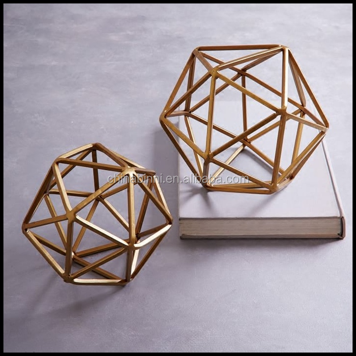 UAE Modern Metal Craft With Gold Wire Waste Material Art Craft Decoration For Hotel Furntirue Designer Home Decorative Items