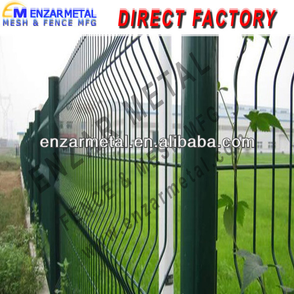 High Quality Backyard Metal Fence Triangular Bending Wire Mesh Fence
