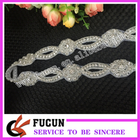2016 clear necklace rhinestone applique galss appliques for sash clear beads crystal neckline appliques