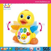 2016 Best selling Huile Toys Cartoon Duck Toy with Light Music Electric Universal