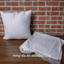 2017 Chinese wholesale high quality non-woven fabric pillow insert PP cotton filling cushion insert